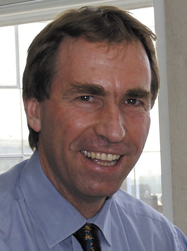 Dr Peter Saunders